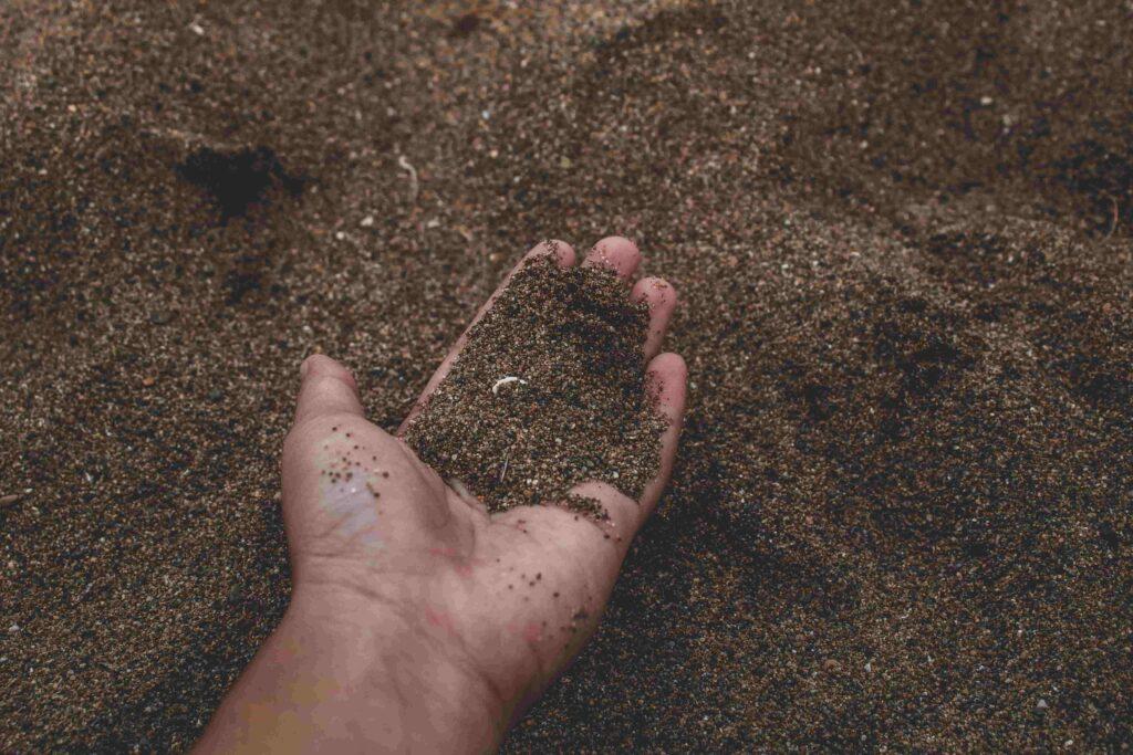 Sandiger, leichter Boden mit krümeliger Textur